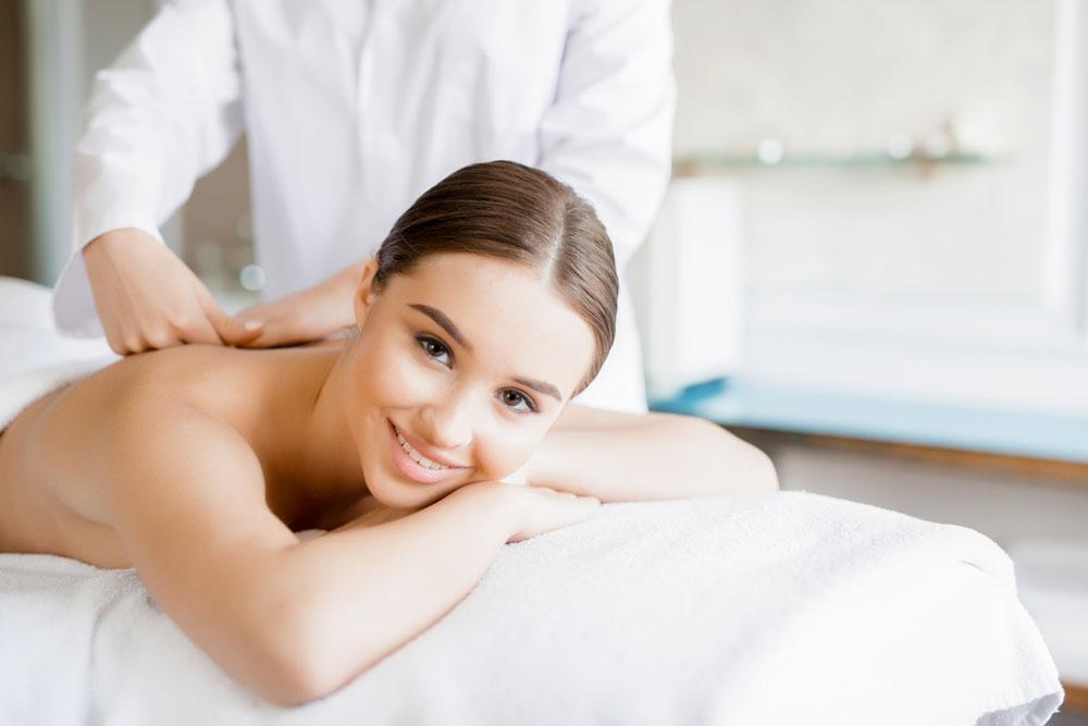 Los mejores médicos quiroprácticos para masaje de fricción cruzada en Chicago IL