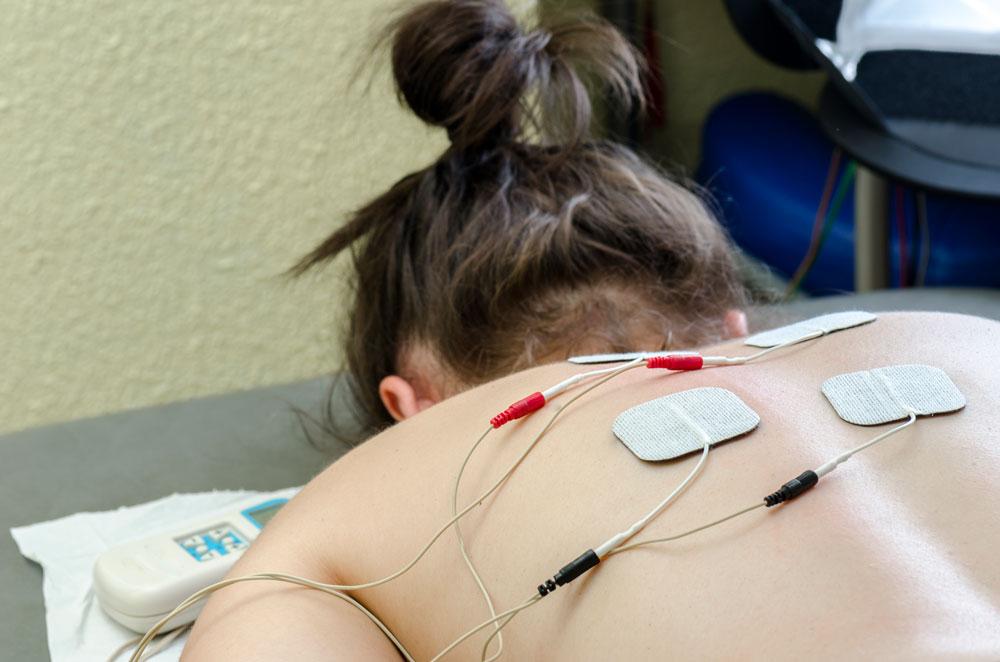 Médicos quiroprácticos especializados en el tratamiento de estimulación muscular eléctrica en Chicago